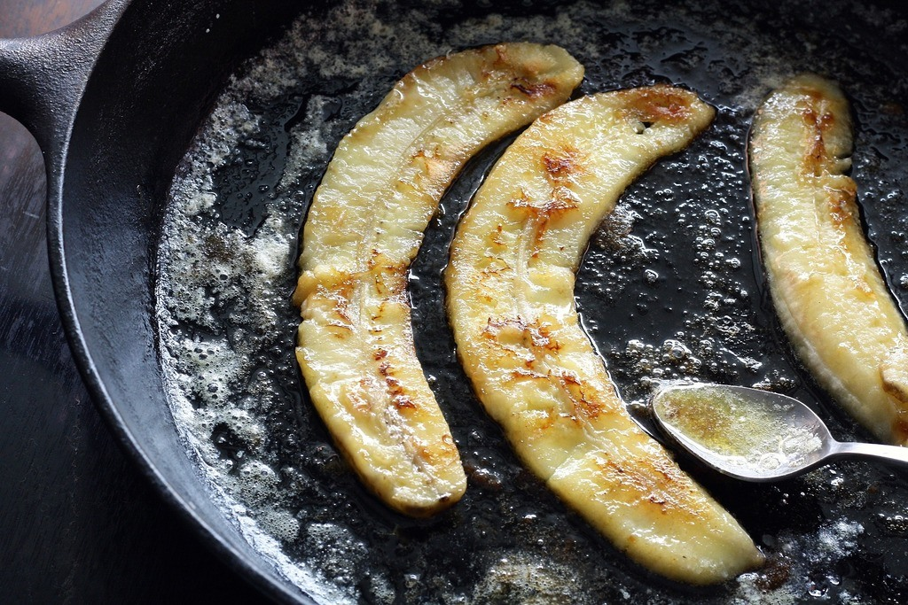 cast iron pan with bananas